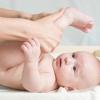masaj-picioare-bebelus_100