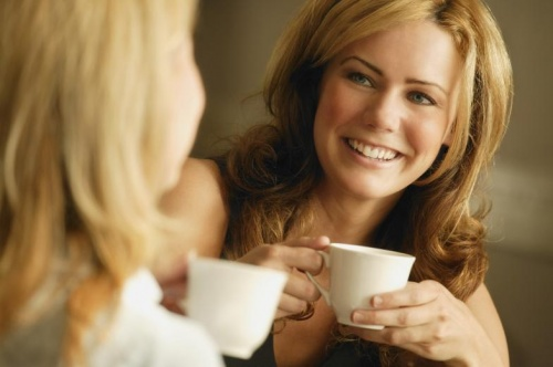 women-drinking-coffee_01