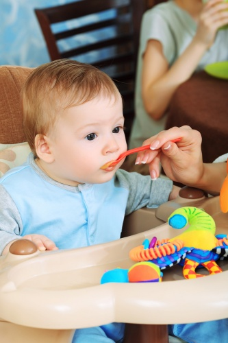 diversificarea alimentatiei bebelus