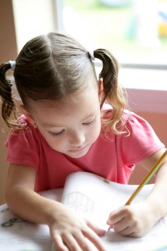 copil scrie