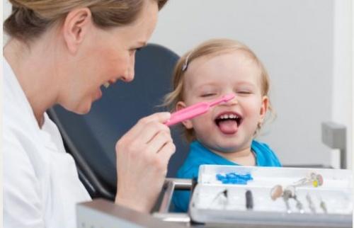 bebe_la_dentist