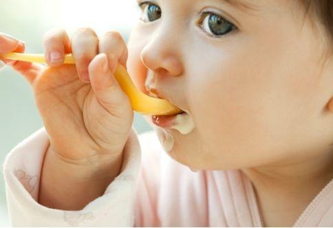 alimentatia bebelusului de 8 luni