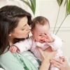 22 de moduri de a calma un bebelus care plange