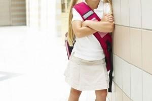 Cum influenteaza ghiozdanul prea greu sanatatea copilului