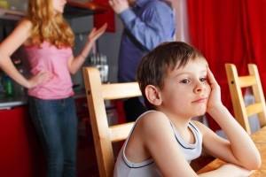 Cum influenteaza divortul personalitatea copilului