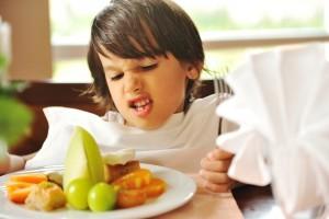 7 sfaturi pentru copiii mofturiosi la mancare