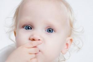Cum vad bebelusii lumea?