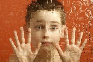 Ajută un copil cu autism să meargă la școală!