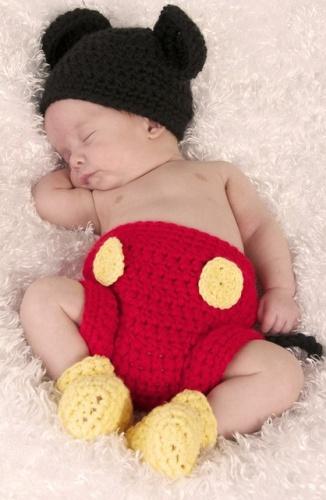 costum-bebelusi-crosetat-mickey-mousel_4104257