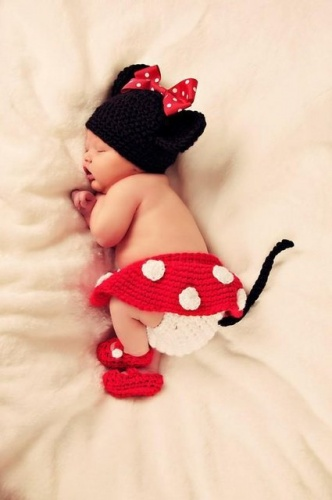 costum-bebelusi-crosetat-minnie-mousel_2492720