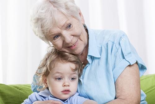 bunica cu nepotelul