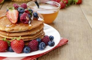 pancakes-cu-fructe-pentru-copii