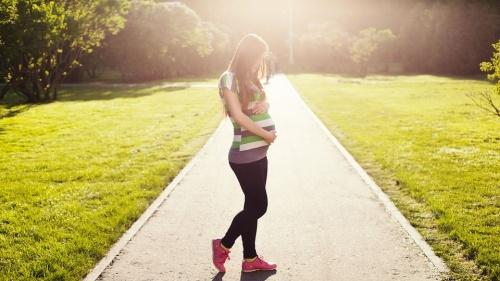 top-7-lucruri-pe-care-sa-le-iei-in-vacanta-cand-esti-gravida