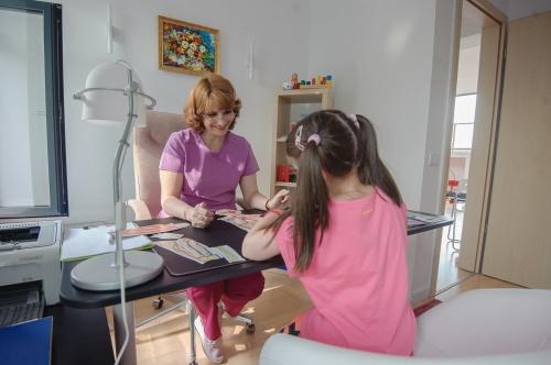 infant-kineto-clinica-pentru-copii-adhd