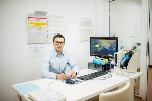dr-laurentiu-vladau-hebra-dermatologie