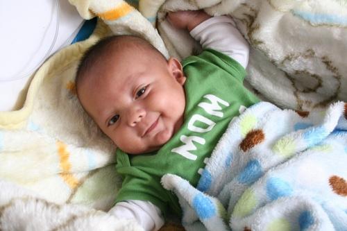 dezvoltarea-bebelusului-la-2-luni