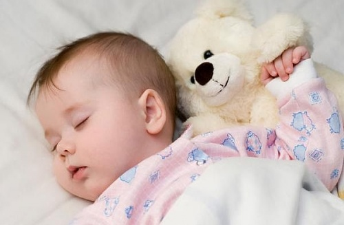 bebe doarme