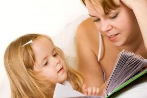 De ce trebuie sa citesti povesti copilului?