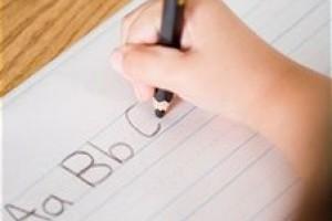 Cum sa imbunatatesti scrierea de mana a copilului tau?