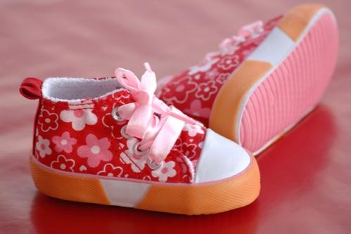 pantofi pentru bebelusi si copii