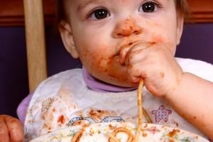 Introducerea hranei solide in meniul bebelusului