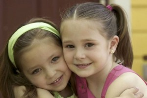 Cum pot sa-mi ajut copilul sa devina sociabil?