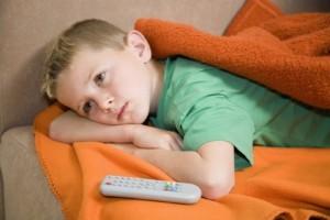 Televizorul - prietenul si dusmanul copiilor mici