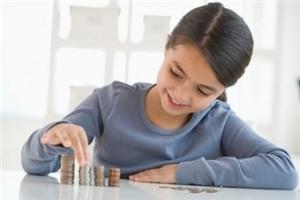 10 idei despre cum poti sa-i explici copilului ce sunt banii
