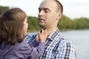Ce sa faci cand copilul te intrerupe cand vorbesti