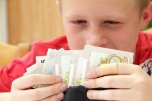 Banii de buzunar ai copiilor