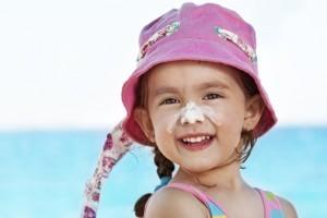 Cum iti protejezi copilul impotriva caldurii?