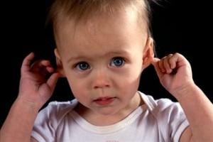 Infectia urechii la bebelusi: simptome si tratament