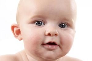 Saliva excesiva la bebelusi