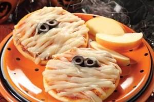 Mini-pizza in forma de mumii