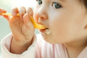Alimentatia bebelusului la 8-10 luni