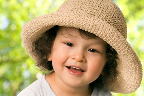 protectie-solara-pentru-copii-mici